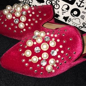 BAMBOO Shoes - Tibetan Red Velvet Embellished Loafer Slippers